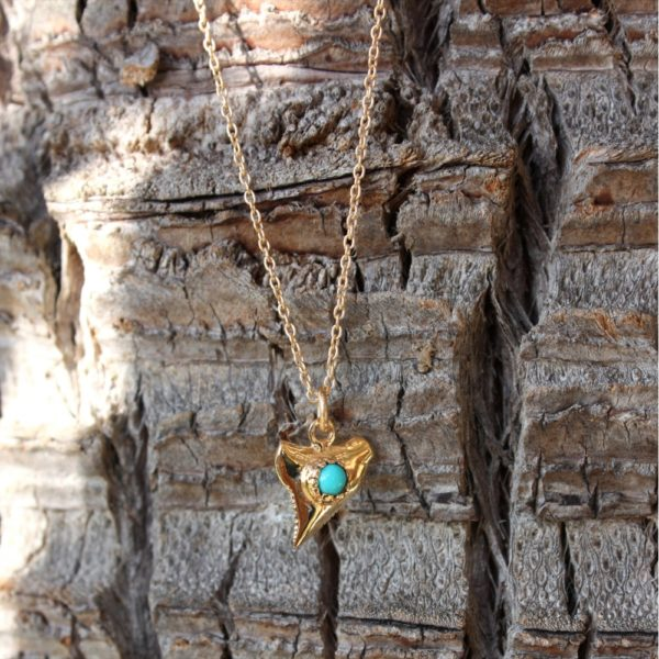 Shark tooth necklace and turquoise blue cabana, bohemian necklace, bohemian accessories, chic necklace, chic hippie necklace, necklace, jewelry, beach shop Cannes, beach wear, beach dress Cannes,